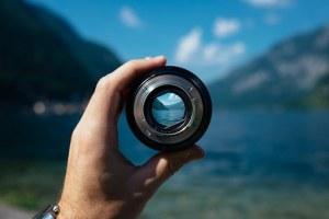 lens-1209823__340